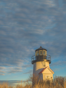 iStock_000066383631_XXXLarge_lighthouse_more-sky
